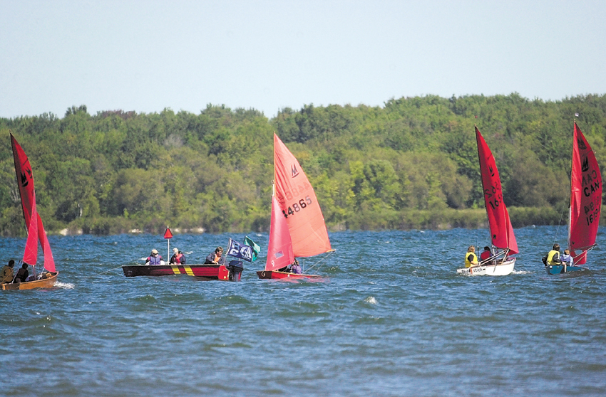 Photo: The 2004 Provincial Championship off Sibbald Point Photographer: Susie Kockerscheidt